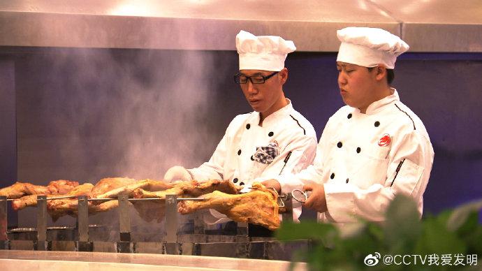 羊腿自动烧烤桌